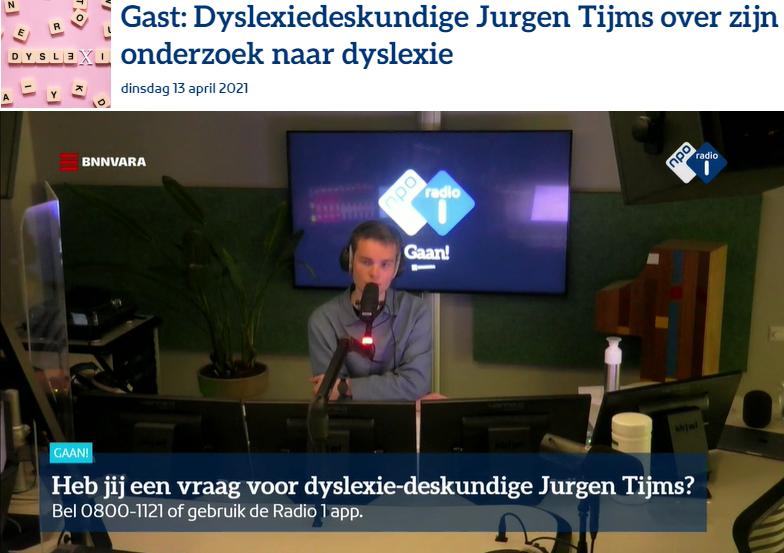Foto van de opname van het radioprogramma met presentator Stephan Komduur